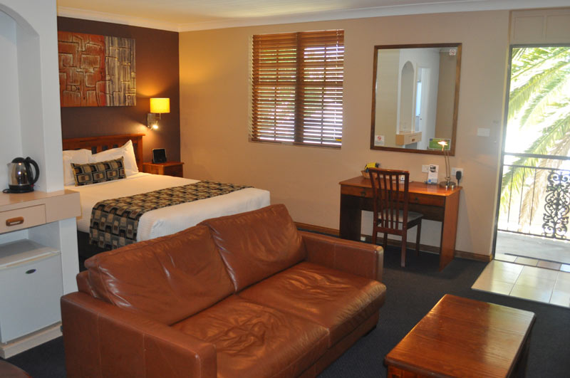 Rooms In Town Motor Inn Motel Accommodation In Taree